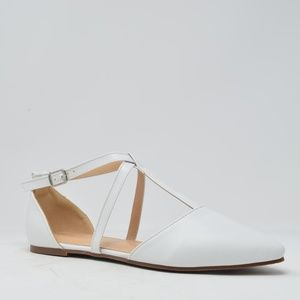 ⭐️ White Strappy Flat - Women